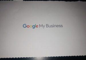 Google My Business schickt einen Brief mit einem 6-stelligen Zahlcode zur Verifizierung.